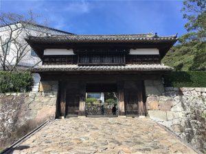 三の丸櫓門正面
