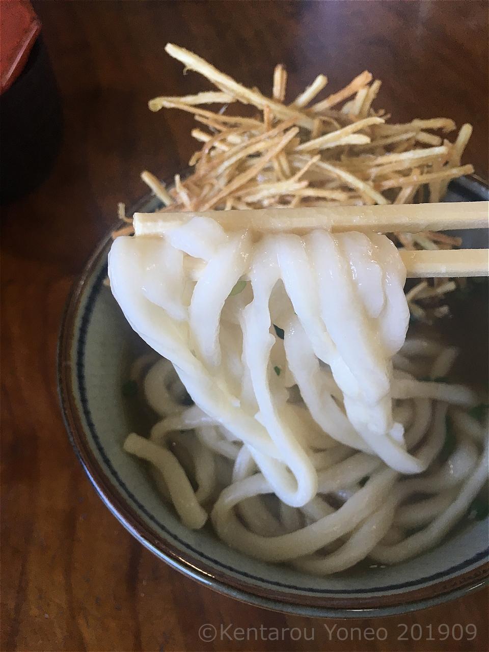 忠太郎茶屋のうどんの麺